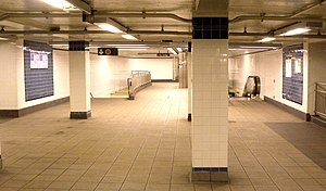 Jay Street–MetroTech (New York City Subway) - Connecting passageway between the stations