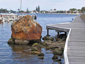 Metung - Image: Legend Rock North Side, Metung, Vic