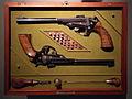 Liège, Musée des armes, Grand Curtius. Coffret contenant 2 pistolets, École d'Armurerie, Liège, 1980.JPG