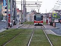 Libeň, tramvaj v zastávce Ocelářská.jpg