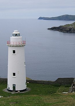 Looking West over Ardnakinna Point lighthouse - geograph.org.uk - 265506.jpg