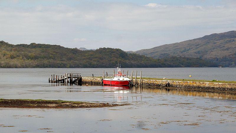 File:Lorn Quay and Kelly's Pier, Loch Etive, Taynuilt, Scotland.jpg