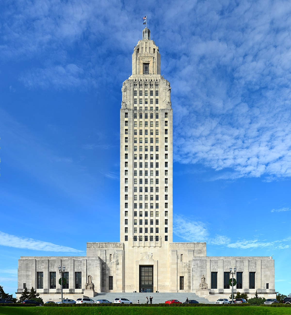 Louisiana state capitol wikipedia for House builder