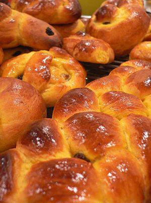 Saffron bun - Saffron buns for Lucia (Saint Lucy's Day)