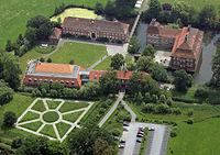 Luftbild Schloss Oberwerries.jpg