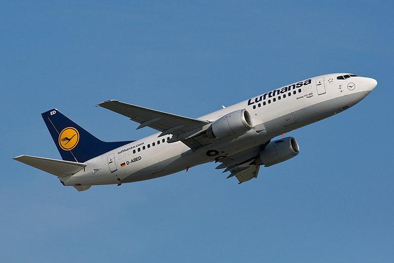 File:Lufthansa Boeing 737-300 D-ABED departing Düsseldorf Airport.jpg