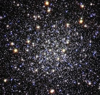 Messier 12 - Image: M12 Hubble