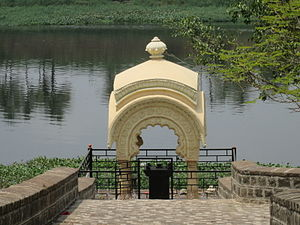 Madhavrao I - A memorial marking the death place of Madhavrao Ballal Peshwa and where his wife committed Sati. The memorial is located in the town of Theur, Maharashtra