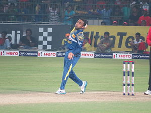 Mahela Jayawardene - Jayawardene bowling vs England in his final ODI in Sri Lanka