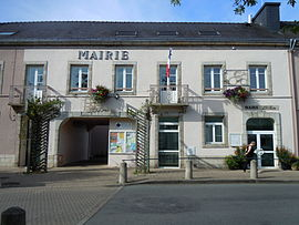 The town hall in Plouay