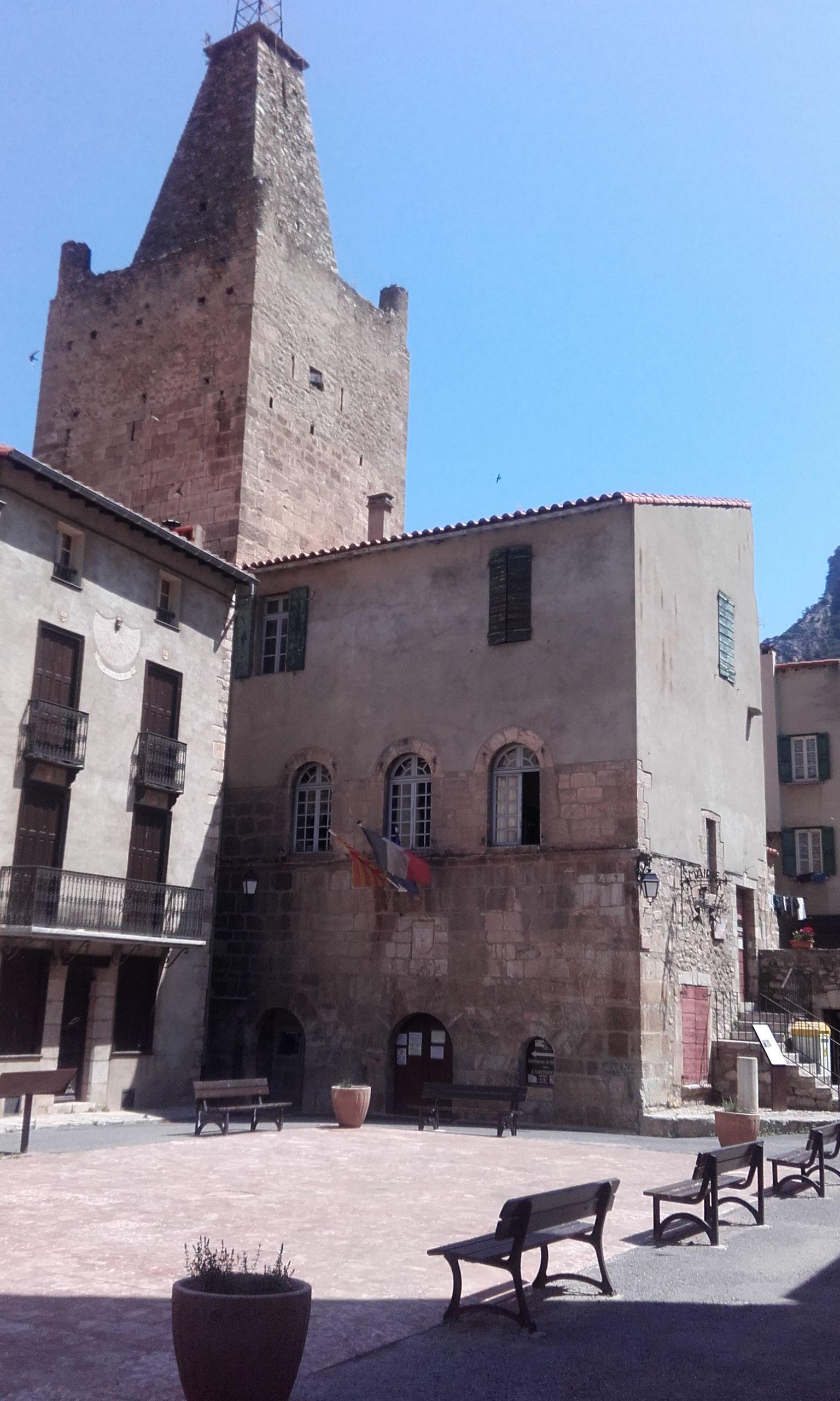 Villefranche De Lauragais: File:Mairie Et Beffroi De Villefranche-de-Conflent.jpg