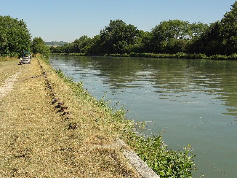 Maizy (Aisne) canal latéral à l'Aisne