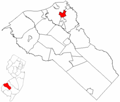 Woodbury highlighted in Gloucester County. Inset map: Gloucester County highlighted in the State of New Jersey.