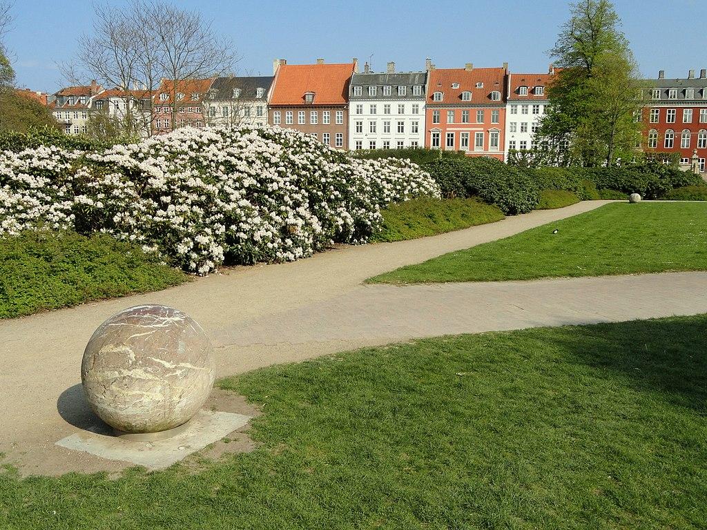 Dans le parc de Rosenborg (Rosenborg Haven) à Copenhague.