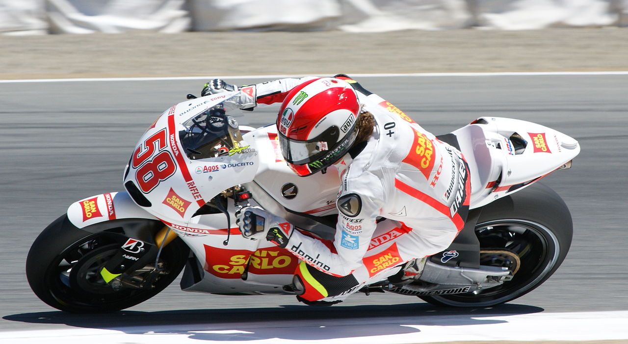 Mundial de Motociclismo - 2012 [MotoGP - Moto2 - Moto3] - Página 5 1280px-Marco_Simoncelli_2010_Laguna_Seca