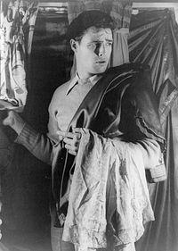 Marlon Brando en 1948 dans la pièce de théâtre Un tramway nommé Désir