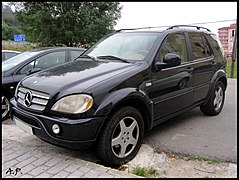 Mercedes-Benz ML (W163) (4816107055).jpg