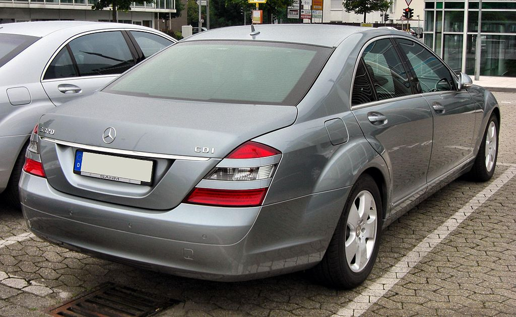 File:Mercedes S 320 CDI 20090808 rear.JPG - Wikimedia Commons