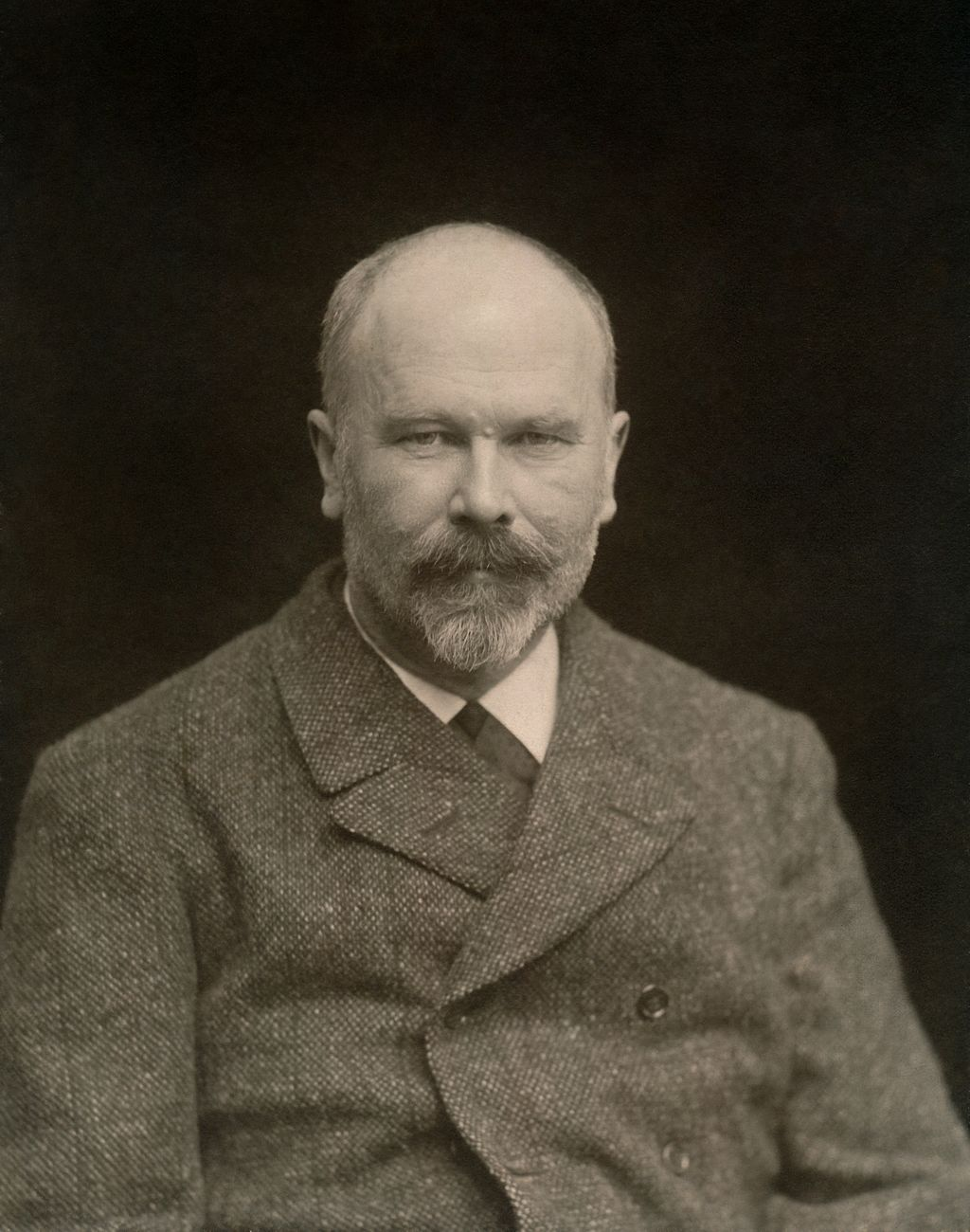 Michael Ancher portrætfoto 2 - Restoration.jpg