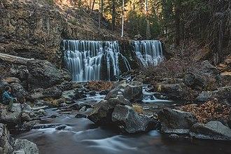 McCloud River - Image: Middle Mc Cloud River Falls
