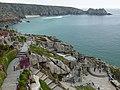 Minack Theatre und Bucht - panoramio.jpg