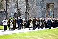 Ministru prezidents Valdis Dombrovskis piedalās svinīgajā vainagu nolikšanas ceremonijā Rīgas Brāļu kapos, atzīmējot Nacisma sagrāves dienu un pieminot Otrajā pasaules karā bojāgājušos (8720269052).jpg
