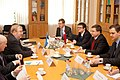 Ministru prezidents Valdis Dombrovskis tiekas ar Igaunijas aizsardzības ministru Martu Lāru (6770106219).jpg
