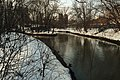 Moscow, Yauza River upstream from Yaroslavskoe railway line bridge (16594506950).jpg