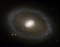 NGC 3081-HST-R814-G555-B439.png