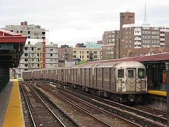Bedford Park Boulevard–Lehman College (IRT Jerome Avenue Line) - Image: NYC Subway 1741