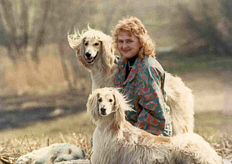 Bakhmull - Natalia Gherasiova with her two bakhmulls: Rad-o-Bark (in front), father of bakhmulls in Russia, imported from Afghanistan; David-el-Bark (behind) and a wild hare caught by them