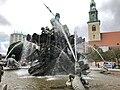 Neptunbrunnen 020.jpg