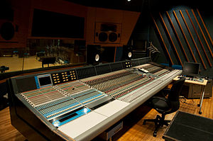 Rupert Neve - Image: Neve VR 72 with FF at Studio 1 Control Room Left Quarter