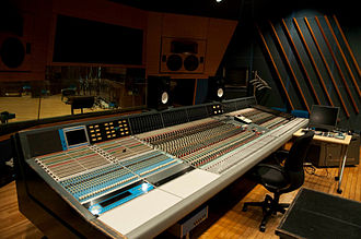 Neve Electronics - Neve VR-72 with Flying Faders