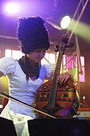 Nina Garenetska (DakhaBrakha) (Haldern Pop 2013) IMGP6713 smial wp.jpg