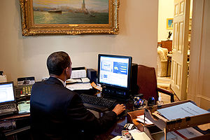 Vivek Kundra - President Barack Obama testing the IT Dashboard