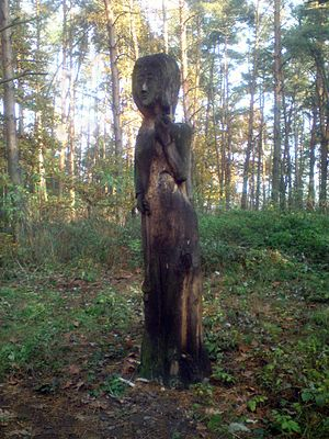 Mokosh - Modern wooden statue in the Czech Republic