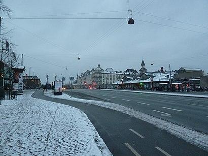 Sådan kommer du til Oslo Plads med offentlig transport – Om stedet