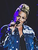 P!nk - V2017 Hylands Park Chelmsford - Saturday 19th August 2017 PinkVFest190817-35 (36356783410) (cropped 2).jpg