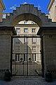 P1190736 Paris III rue du Parc-Royal n16 hotel Bonneval rwk.jpg