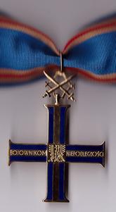 POL Order Krzyza Niepodleglosci I kl.png