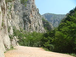 Paklenica valley.JPG