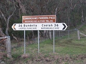 Pandoras Pass - Road sign on Pandoras Pass