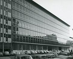 Edificio de oficinas en corso Europa 18-20, Milán (1953-1959)