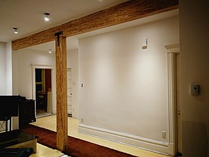 Parallel strand lumber - An appartement with an exposed PSL beam and colomn