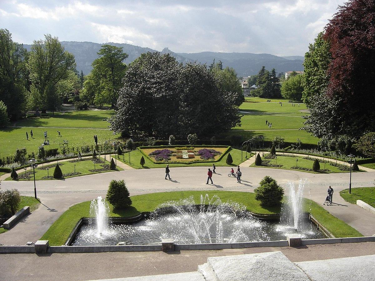 Parc jouvet wikip dia for Piscine jardin valence