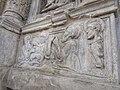 Particolare dell'altare in pietra.jpg