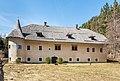 Paternion Kreuzen 32 Schloss Ost-Ansicht 06042018 2879.jpg