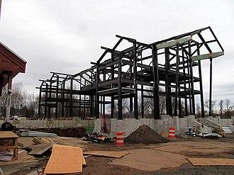 Hartford Line - Construction of pedestrian bridge and new platforms at Berlin station in December 2015