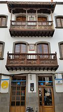 Photo house front side balcony Calle Real de la Plaza No15 teror gran canaria spain 2015-12-25.jpg